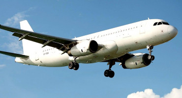 AVIODRAMA U ŠPANJOLSKOJ Kanadski Boeing sa 128 putnika kruži nad Madridom i priprema se za hitno slijetanje
