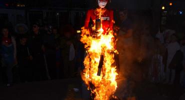Centar 2 zapalio veleposlanicu u Češkoj, ona ih nazvala maloumnima