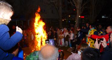 MOSTARSKI KARNEVAL Ljubo, Lijan i Miro spaljivani bez reakcije, OSCE zabrinut zbog veleposlanice bez diplome