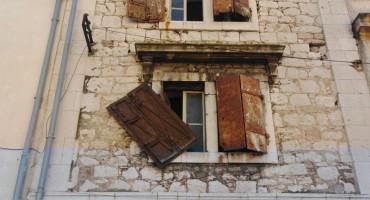Na ulicama Mostara opasnost po život građana