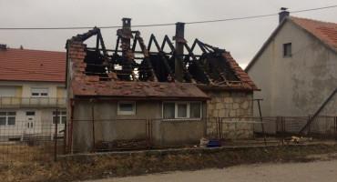 TOMISLAVGRAD Izgorio krov na obiteljskoj kući