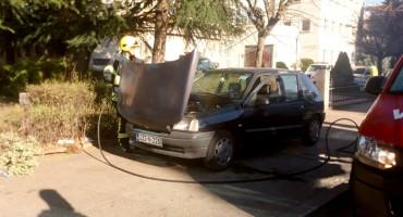 MOSTAR Požar na osobnom automobilu u Dubrovačkoj ulici