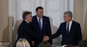 ZBOG POSEBNIH UVJETA Komšić, Džaferović i Dodik povećali plaće zaposlenicima