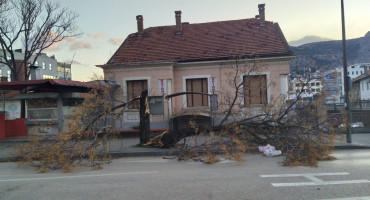 PAVLOVIĆ Mostar pretrpio velike štete, zasad nema ozlijeđenih