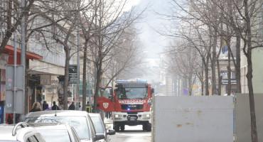 Mostarski vatrogasci ugasili požar u ulici Alekse Šantića