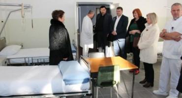 Županijska bolnica u Livnu dobila donaciju od 44 kompleta madraca s posteljinama