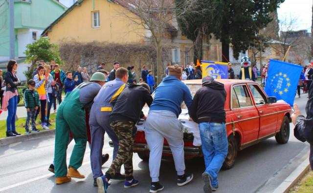Pregršt veselja i smijeha na ulicama Ljubuškog