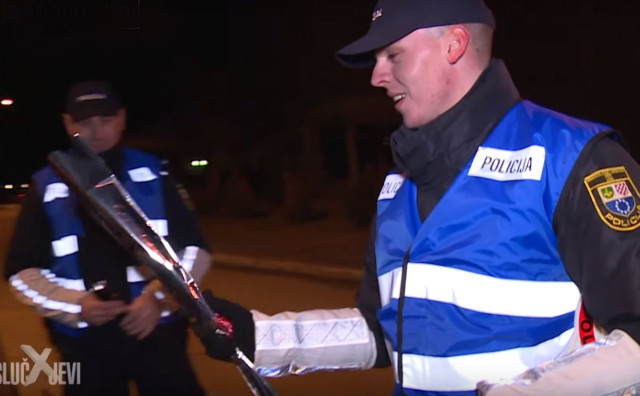 LIVNO Policija vozačice darivala ružama