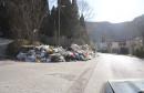 Iako je Uborak odblokiran, neka naselja zatrpana smećem