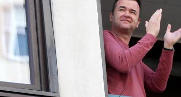 ČAPLJINCI PORUČILI Ajmo izaći na svoje balkone i prozore te zapljeskati svim medicinskim djelatnicima