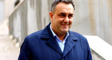 Vrh SDA BiH prihvatio ostavku kompromitiranog potpredsjednika
