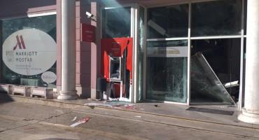 EKSPLOZIJA U MOSTARU Raznijeli bankomat u Fejićevoj