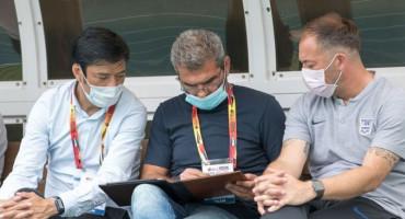 Pobjedničku seriju Bake Sliškovića nije zaustavio ni koronavirus, s maskom na licu do pobjede 5:1