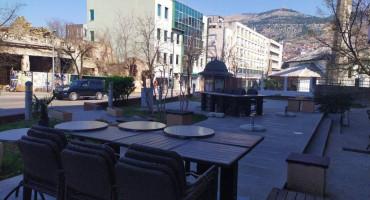 Vlasnici kafića u Mostaru zbog dezinfekcije moraju ukloniti stolove i stolice