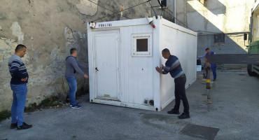 PREVENTIVNE MJERE Postavljeni prijenosni kontejneri ispred Doma zdravlja