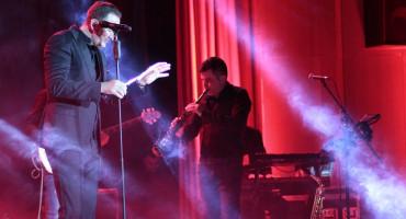 Sergej Ćetković održao koncert u prepunoj Kosači