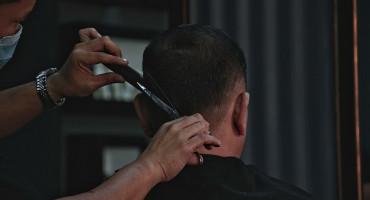 Otvaraju se frizerski i kozmetički saloni, cvjećarnice, promijenjen je i broj osoba koje se mogu okupljati