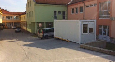 Ispred Doma zdravlja u Tomislavgradu postavljen kontejner za trijažu