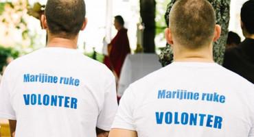 MEĐUGORJE Veliki broj volontera pomaže časnim sestrama i fratrima u samostanu u Miletini