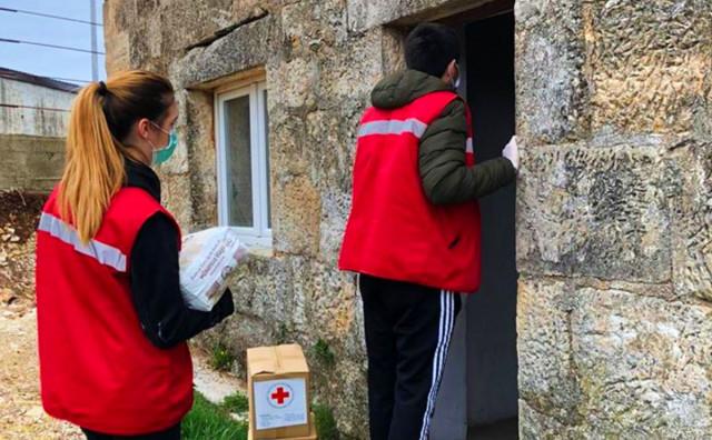Evo brojeva Crvenog križa na koje možete nazvati ako poznajte osobu u potrebi