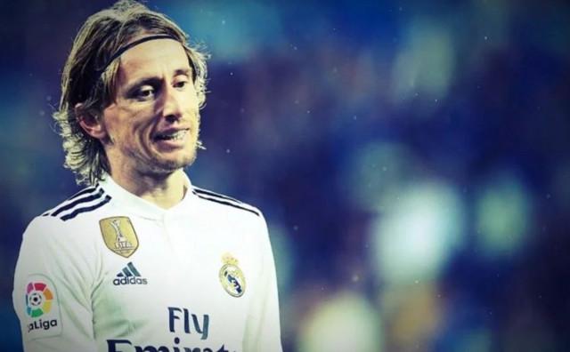 Real Madrid neće rezati plaće, Modrić vježba u kući