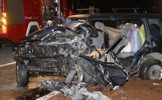 Stravična nesreća: Jedna osoba smrtno stradala, dvije teško ozlijeđene