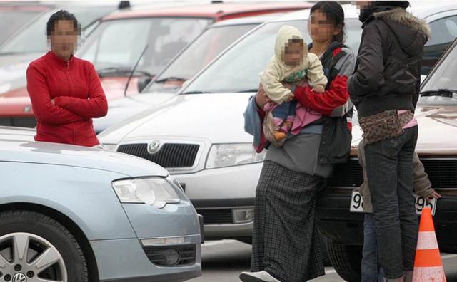 Maloljetnica koja je s bebom prosjačila u Banja Luci oteta u Mostaru prije dvije godine?