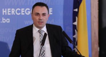 AJDINOVIĆ Pojačan ulazak putnika u BiH predstavlja alarm za Federalni stožer civilne zaštite