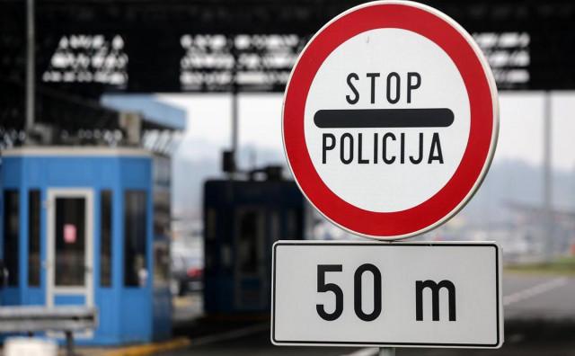 Probao unuka i nevjestu dovesti do BiH, na kraju morao platiti taksi iz Slovenije