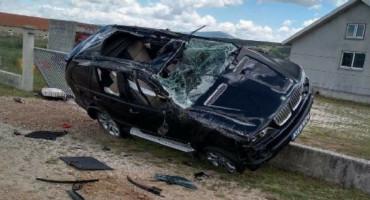 LIVNO U sudaru BMW-a i teretnog vozila jedna osoba ozlijeđena i prebačena u SKB Mostar