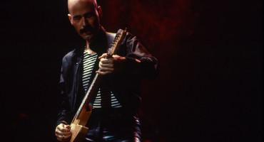 Preminuo bivši gitarist benda Kiss