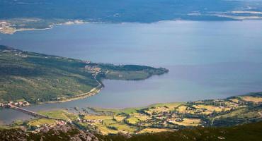 Za korištenje voda u Buškom jezeru HBŽ-u duguju oko 15 milijuna maraka