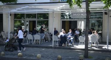 Mostarski kafići nakon dugo vremena dočekali prve goste