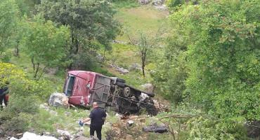 CRNA GORA U sudaru autobusa i automobila dvoje mrtvih i 19 ozlijeđenih