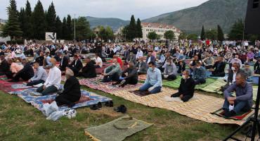 MOSTAR Ramazanski bajram dočekan pod otvorenim nebom