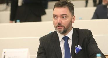 ZBOG KORONA DERNEKA Ministar Košarac ponudio ostavku
