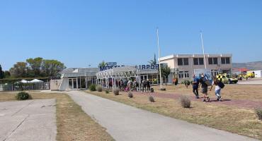 Mostarski aerodrom na koljenima: Žele raditi, ali nema novca