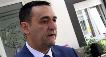 """""""ŽIV JE"""" Hadžović kaže da bi školska godina u HNŽ trebala početi pod normalnim uvjetima"""