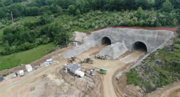 Pogledajte kako napreduju radovi na izgradnji tunela Ivan