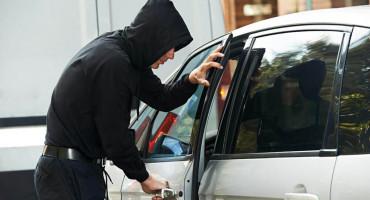Mercedes ukraden u Ljubuškom, pronađen u Grudama
