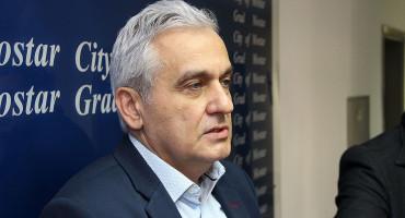 """MOSTAR MOJ DOM """"Aktualni i nelegalni gradonačelnik Bešlić se ponaša kao faraon"""""""