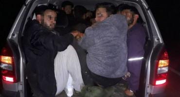 POSUŠJE Uhićen zbog krijumčarenja ljudi, u Opel Zafiri vozio devet Iračana
