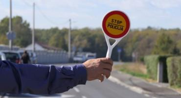 ODUZET MU AUTO Hercegovac pijan i bez vozačke vozio neregistrirani auto, a ima i 7000 KM kazni