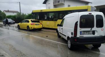 MOSTAR-ČITLUK Zbog sudara dva vozila stvorene velike gužve