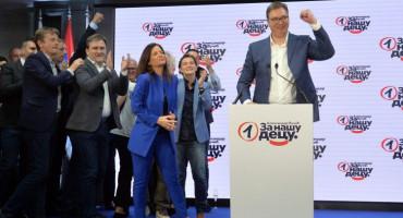 Vučić proglasio pobjedu s dva milijuna osvojenih glasova