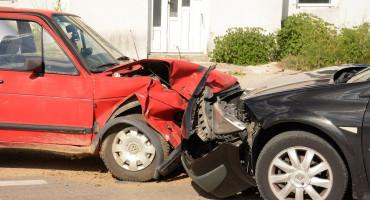 MOSTAR Izravan sudar dva vozila, ozlijeđena jedna osoba