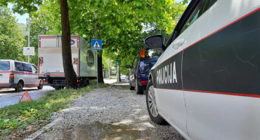 MOSTAR Udario u stablo i oštetio kamion
