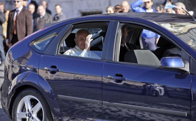 Papa i dalje u tamo nekom Fordu, naši i dalje u bijesnim limuzinama