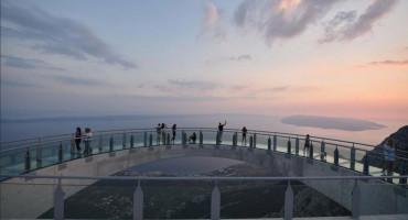 Pogled s Nebeske šetnice na Biokovu je nezaboravan