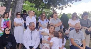 Na Ilindan kršten mali Ilija, deveto dijete obitelji Šarac